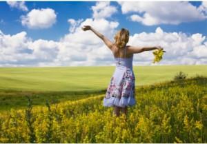 cropped-summer-woman-field314.jpg