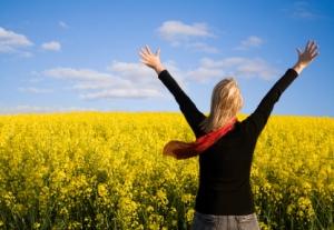 01 woman rejoicing