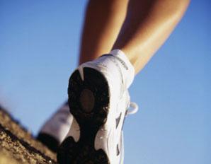 01 a 298x232-woman_walking_feet-298x232_woman_walking_feet-255B1-255D