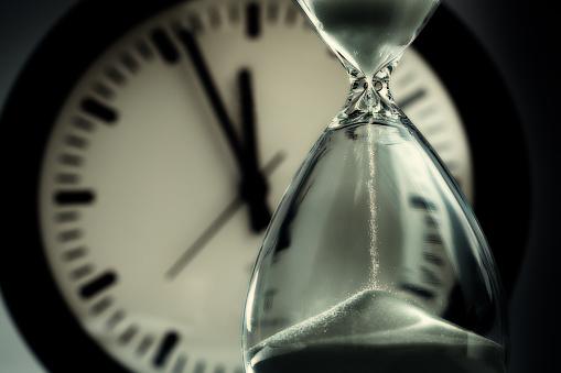 01-a-clock2